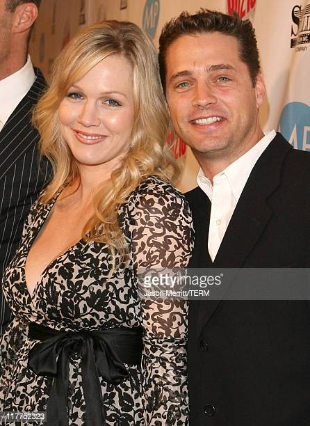 Jennie Garth and Jason Priestley during 'Beverly Hills 90210' and 'Melrose Place' DVD Launch Party Pink Carpet at Beverly Hilton in Beverly Hills...