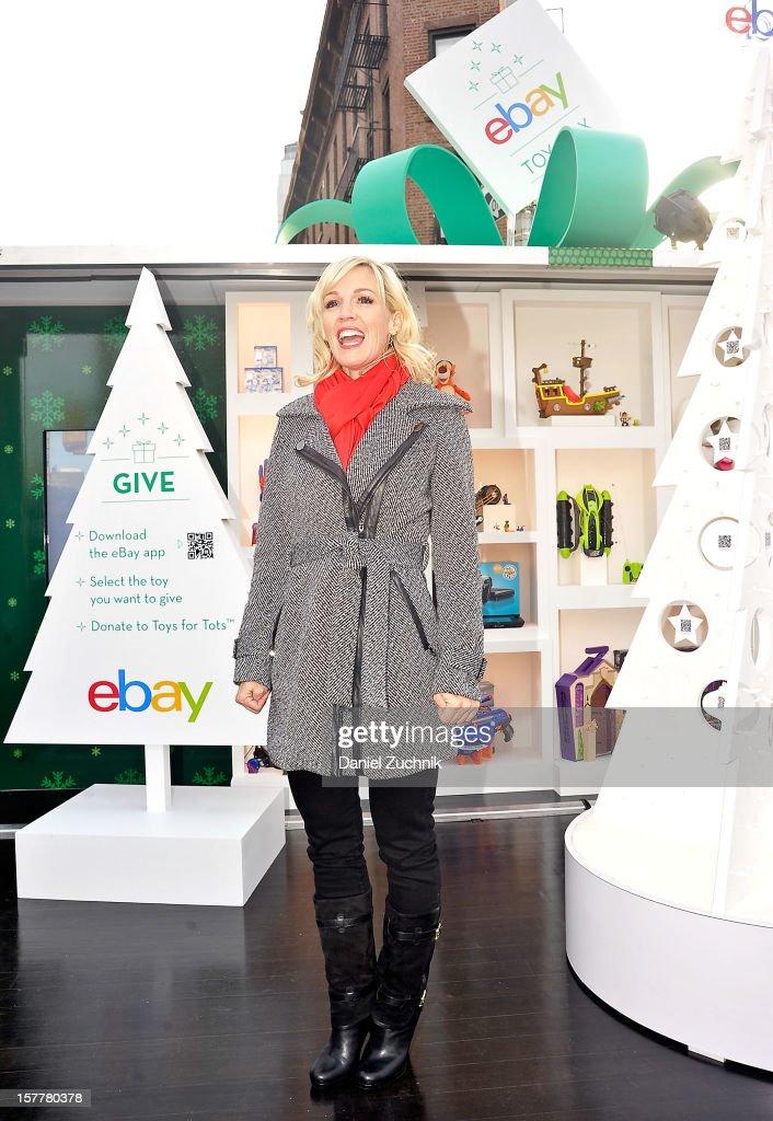 Jennie Garth visits the eBay Toy Box pop-up shop on December 6, 2012 in New York City.