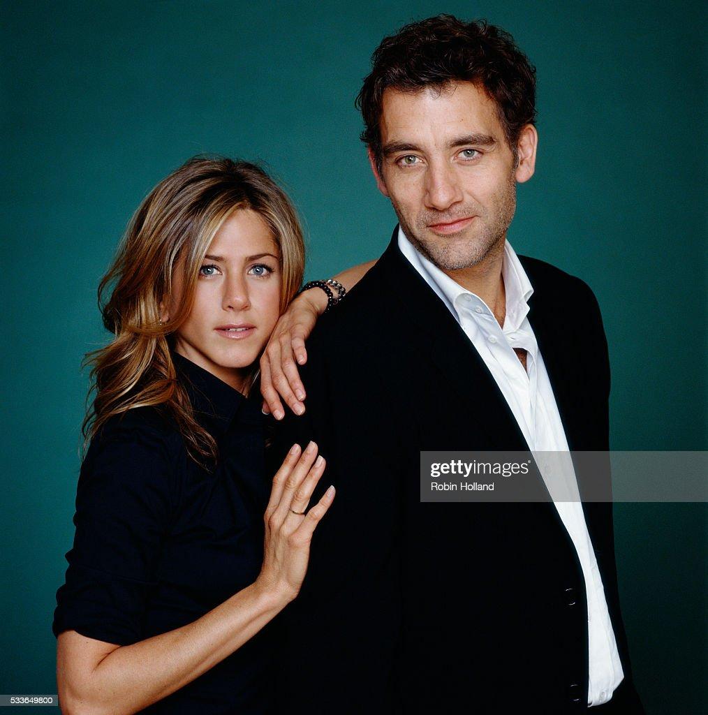 Jennifer Aniston and Clive Owen : News Photo
