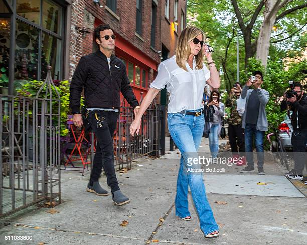 Jennifer Aniston and Justin Theroux are seen shopping at John Derian boutique in East Village on September 28 2016 in New York New York