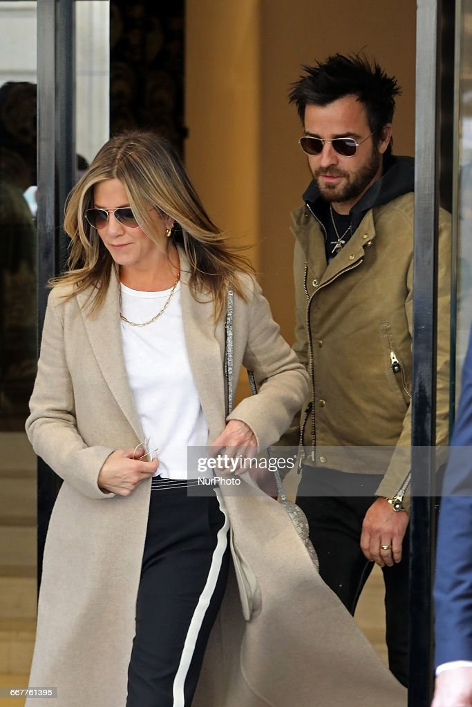 Jennifer Aniston and Justin Theroux seen leaving Chanel store in Paris : News Photo