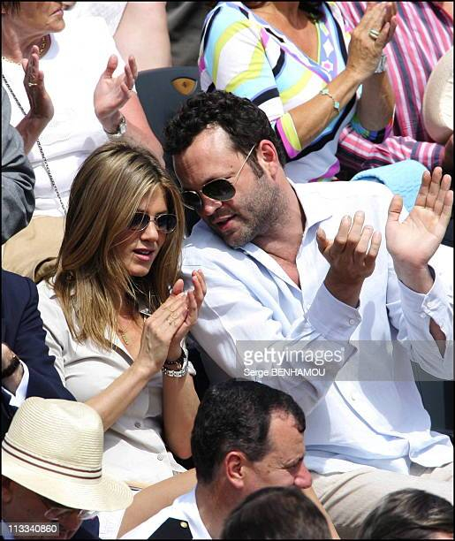 Jennifer Aniston And Vince Vaughn At 2006 Roland Garros Tennis Tournament On June 11Th 2006 In Paris France Here Jennifer Aniston And Vince Vaughn