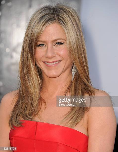 Jennifer Aniston arrives at the 85th Annual Academy Awards at Dolby Theatre on February 24, 2013 in Hollywood, California.