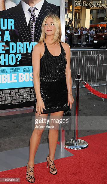 Jennifer Aniston arrives at the Horrible Bosses Los Angeles Premiere at Grauman's Chinese Theatre on June 30 2011 in Hollywood California