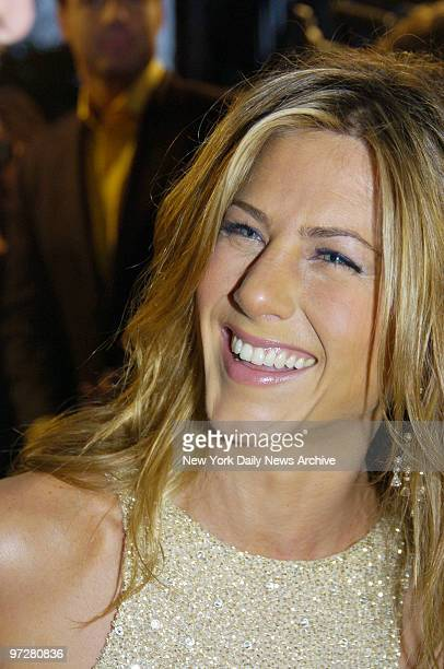 Jennifer Aniston arrives at the Loews Lincoln Square Theater for the premiere of the movie Derailed She stars in the film