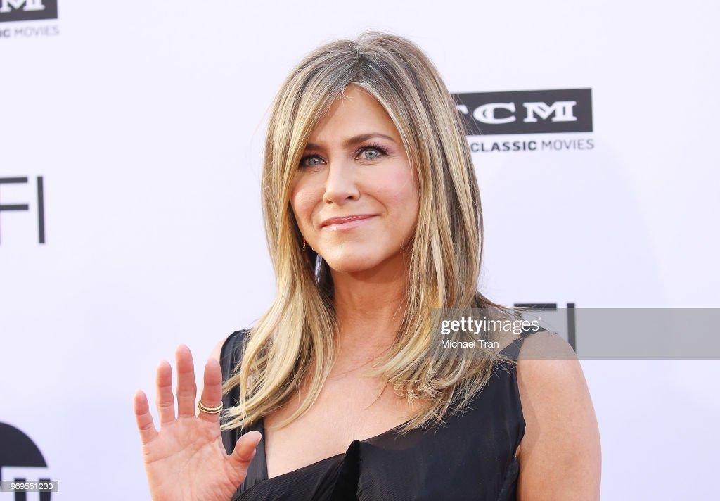 American Film Institute's 46th Life Achievement Award Gala Tribute To George Clooney - Arrivals : Nachrichtenfoto