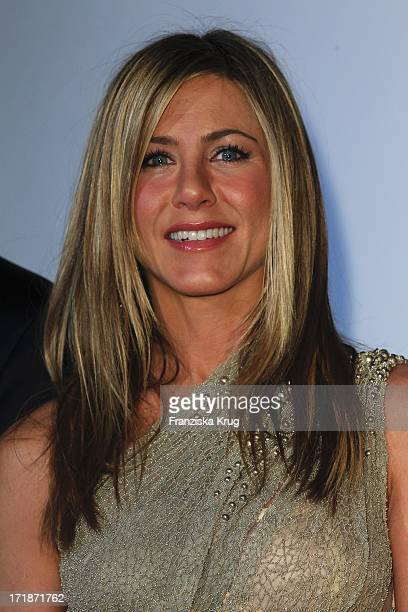 Jennifer Aniston at the Premiere Of The Film 'The Bounty Hunter' in Berlin