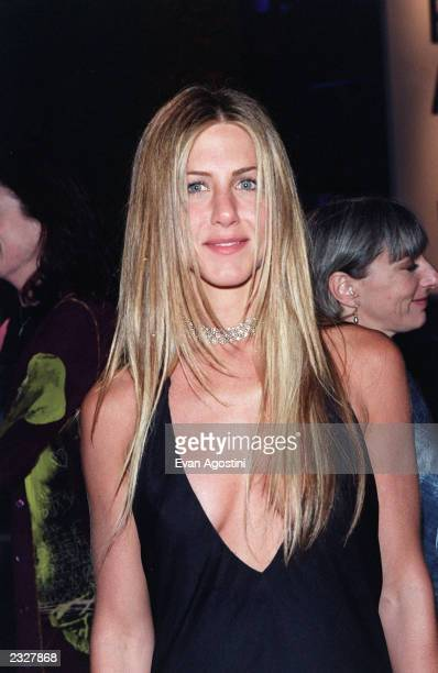 Jennifer Aniston at the Vanity Fair Party held at Morton's for the 72nd Annual Academy Awards. 3-26-00 Hollywood, CA Photo: Evan Agostini/ImageDirect