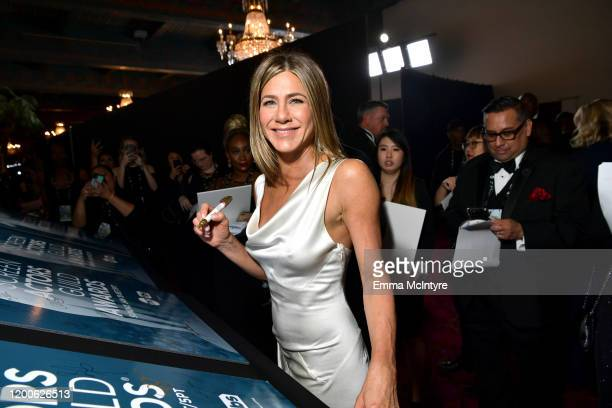 Jennifer Aniston attends the 26th Annual Screen ActorsGuild Awards at The Shrine Auditorium on January 19, 2020 in Los Angeles, California. 721313