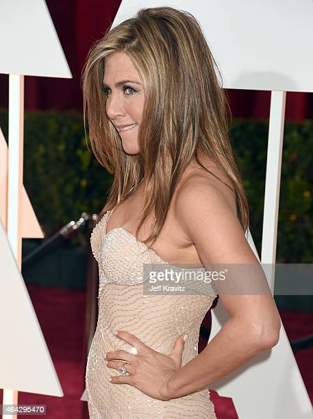 Jennifer Aniston attends the 87th Annual Academy Awards at Hollywood & Highland Center on February 22, 2015 in Hollywood, California.