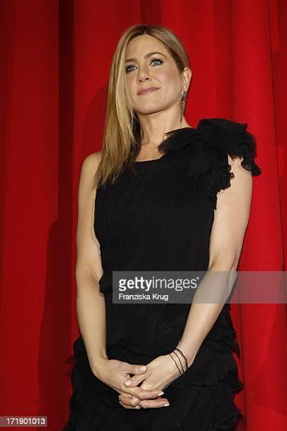 Jennifer Aniston Bei Der Premiere Des Films Meine Erfundene Frau Im Cinestar Am Potsdamer Platz In Berlin