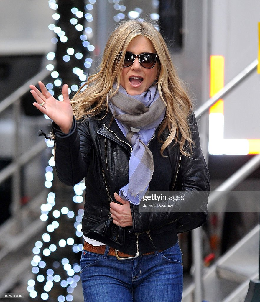 Jennifer Aniston is seen on location for 'Wanderlust' on the streets of Manhattan on November 20, 2010 in New York City.