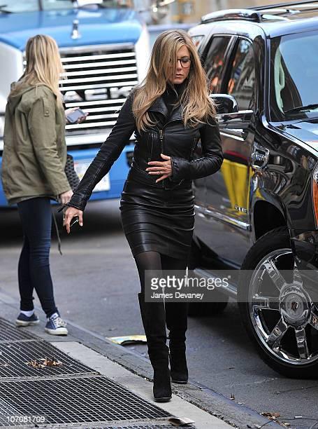 Jennifer Aniston seen on location for Wanderlust on the streets of Manhattan on November 18 2010 in New York City
