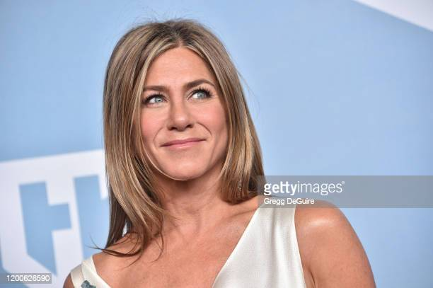 Jennifer Aniston winner of Outstanding Performance by a Female Actor in a Drama Series for 'The Morning Show' poses in the press room during the 26th...