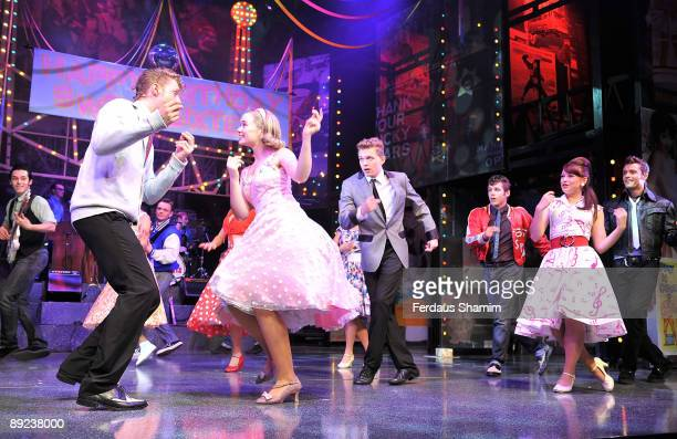 Jennifer Biddall Daisy WoodDavis Emma Hatton Ben Freeman Scott Bruton and AJ Dean perform during a photocall for Dreamboats and Petticoats as it...