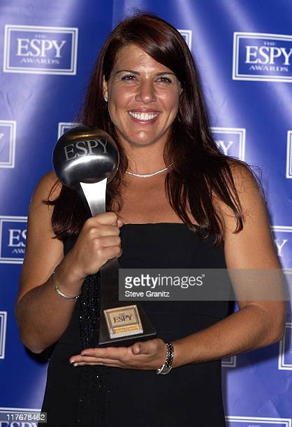 Jennifer Capriati holds her 2002 ESPY Award for Best Comeback Athlete