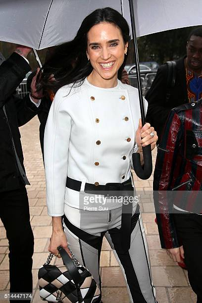 Jennifer Connelly arrives at the Louis Vuitton show as part of the Paris Fashion Week Womenswear Fall/Winter 2016/2017 on March 9 2016 in Paris France