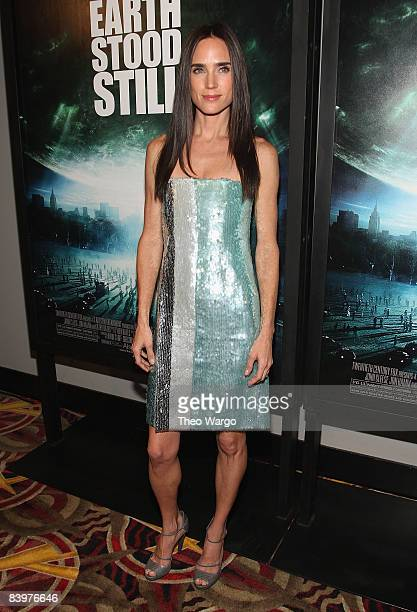 Jennifer Connelly attend the premiere of 'The Day the Earth Stood Still' at the AMC Loews Lincoln Square on December 9 2008 in New York City
