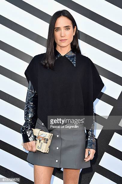 Jennifer Connelly attends the Louis Vuitton show as part of the Paris Fashion Week Womenswear Spring/Summer 2017 on October 5, 2016 in Paris, France.