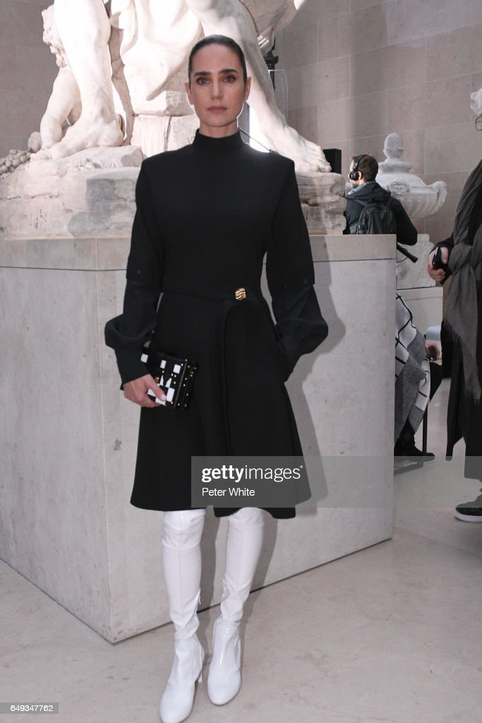 Jennifer Connelly attends the Louis Vuitton show as part of the Paris Fashion Week Womenswear Fall/Winter 2017/2018 >> on March 7, 2017 in Paris, France.