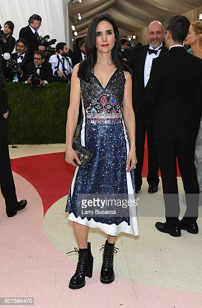 Jennifer Connelly attends the 'Manus x Machina Fashion In An Age Of Technology' Costume Institute Gala at Metropolitan Museum of Art on May 2 2016 in...
