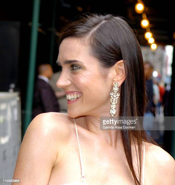 Jennifer Connelly during Jennifer Connelly Visits the Late Show With David Letterman June 30 2005 at Ed Sullivan Theatre in New York City New York...