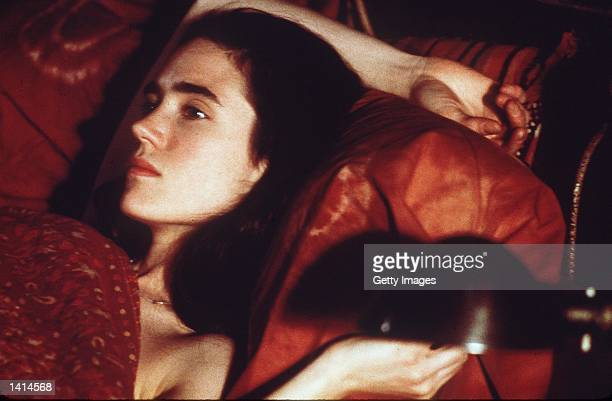 Jennifer Connelly stars as Sarah Williams in Keith Gordon''s Waking the dead a USA Films Release Photo Credit Takashi Seida / 2000 USA Films Deliverd...