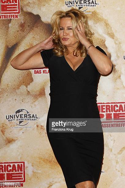 Jennifer Coolidge at photocall for the movie American Pie Reunion in Berlin on 29th of March