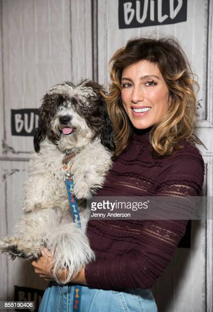 Jennifer Esposito attends AOL Build Series to discuss 'Jennifer's Way Kitchen' at Build Studio on September 28 2017 in New York City