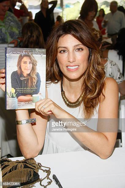Jennifer Esposito attends East Hampton Library's Authors Night 2014 on August 9 2014 in East Hampton New York