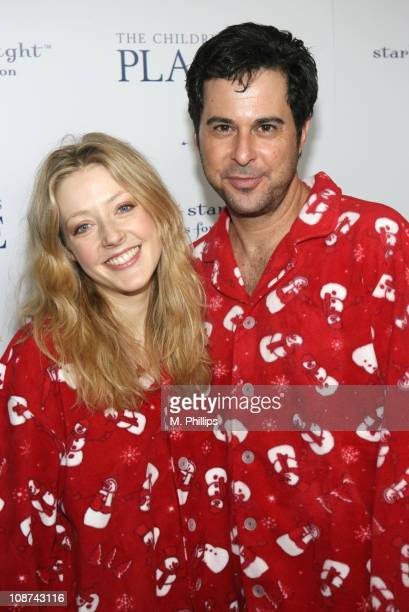 Jennifer Finnigan and Jonathan Silverman during The Children's Place Pajama Party to Benefit the AZ, CA, NV Chapter of Starlight Starbright...