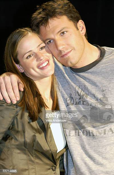 Jennifer Garner and Ben Affleck Ritz Carlton Hotel Ben Affleck and Jennifer Garner Press Conference for 'Daredevil' February 2 2003 Pasadena...