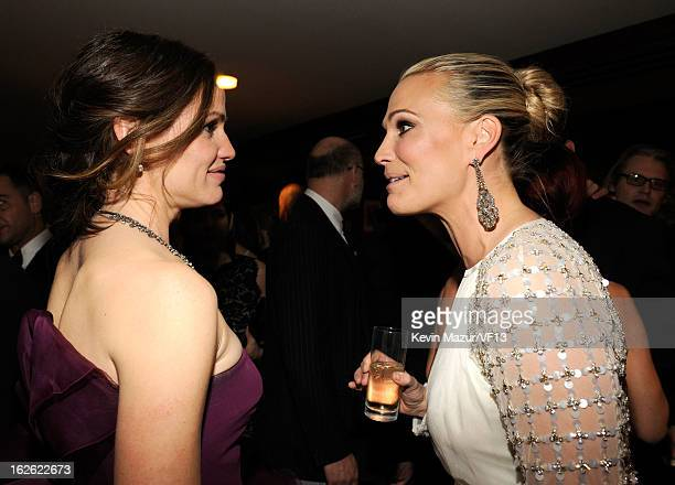 Jennifer Garner and Molly Sims attend the 2013 Vanity Fair Oscar Party hosted by Graydon Carter at Sunset Tower on February 24, 2013 in West...