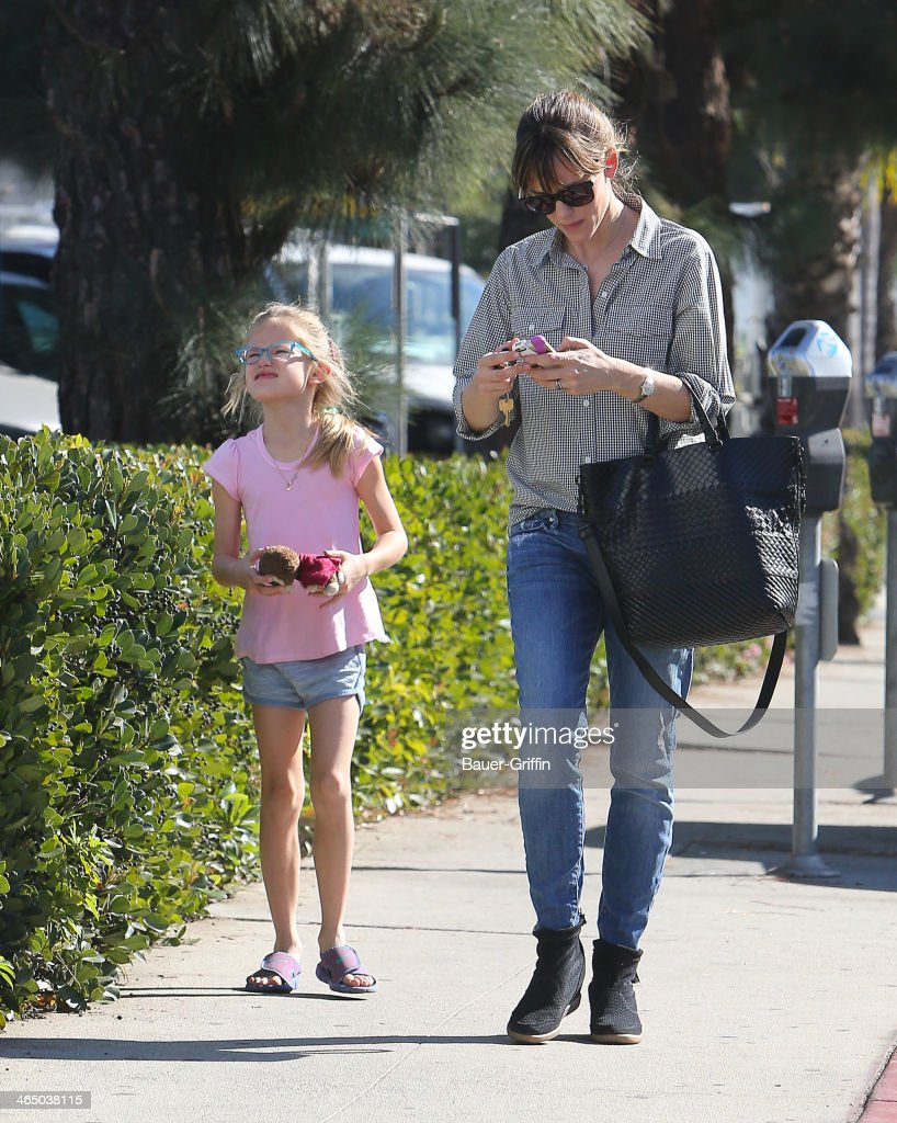 Jennifer Garner and Violet Affleck are seen on January 25, 2014 in Los Angeles, California.