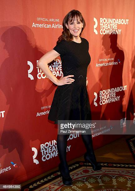 Jennifer Garner attends Roundabout Theatre Company's 2015 Spring Gala Honoring Dame Helen Mirren sponsored by FIIJI water at the Grand Ballroom at...