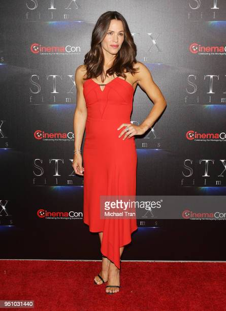 Jennifer Garner attends the 2018 CinemaCon An Evening With STXfilms featuring a sneak preview of their future films held at The Colosseum at Caesars...