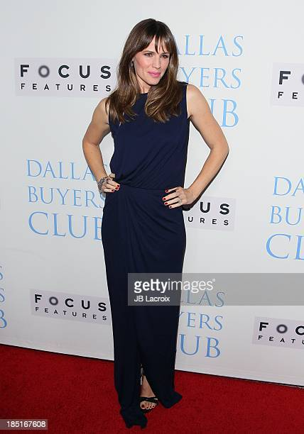 """Jennifer Garner attends the """"Dallas Buyers Club"""" Los Angeles premiere held at the Academy of Motion Picture Arts and Sciences on October 17, 2013 in..."""