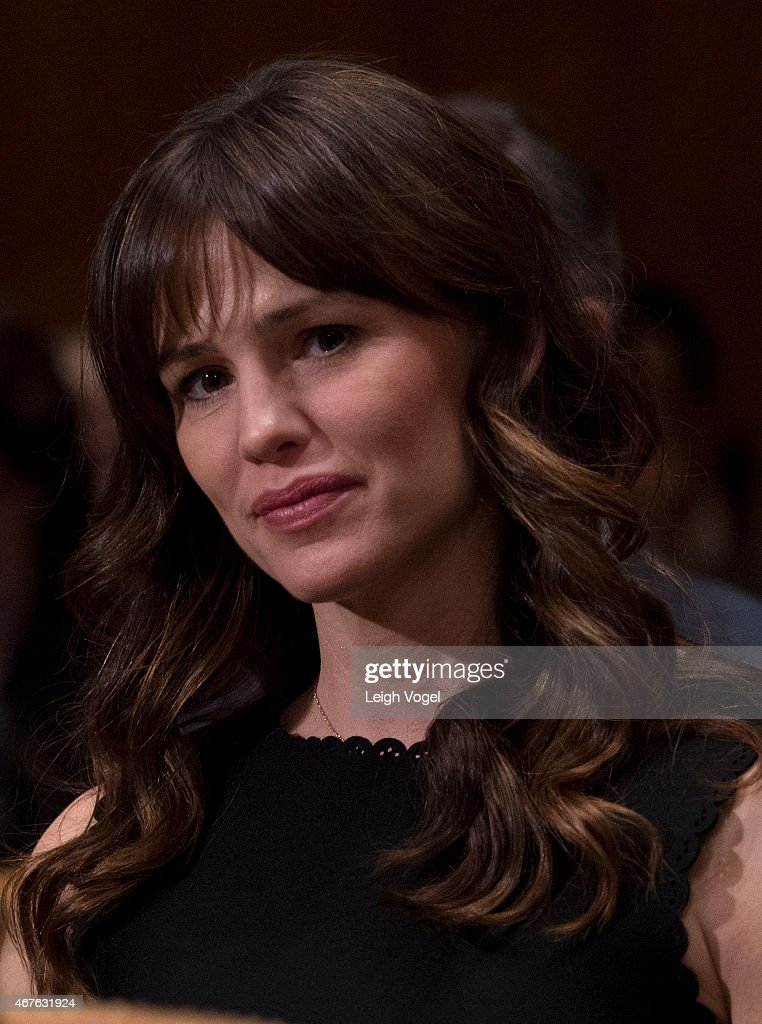 Jennifer Garner attends the Diplomacy, Development, And National Security Hearing on March 26, 2015 in Washington, DC.