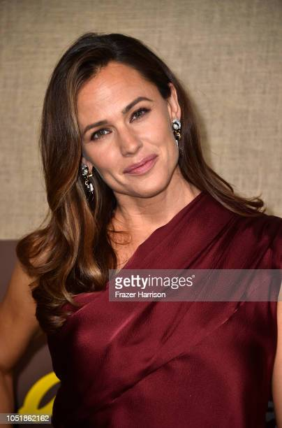 Jennifer Garner attends the Los Angeles Premiere Of HBO Series Camping at Paramount Studios on October 10 2018 in Hollywood California