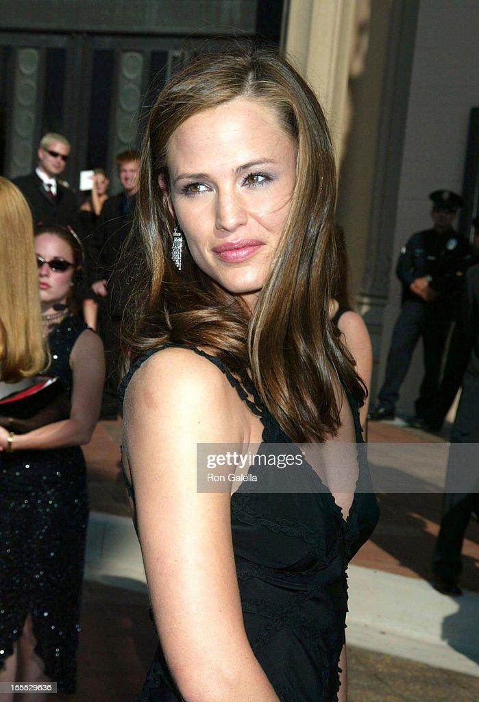 Jennifer Garner During 2002 Creative Arts Emmy Awards