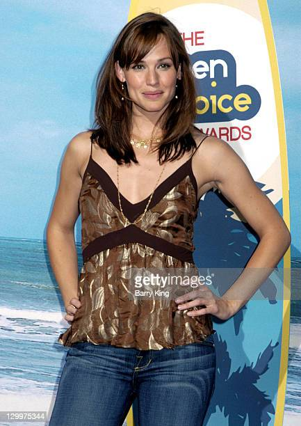 102c23b5703 Jennifer Garner during The 2004 Teen Choice Awards Press Room at Universal  Ampitheater in Universal City