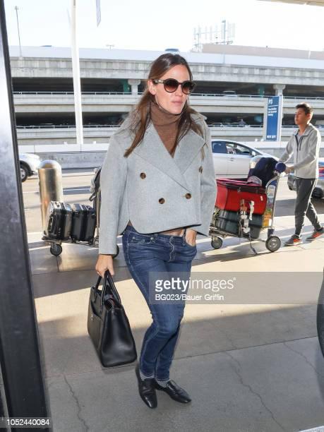 Jennifer Garner is seen at Los Angeles International Airport on October 17 2018 in Los Angeles California