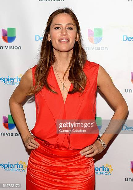 Jennifer Garner on the set Of Univisions 'Despierta America' to promote 'Miracles From Heaven' at Univision Studios on March 15 2016 in Miami Florida