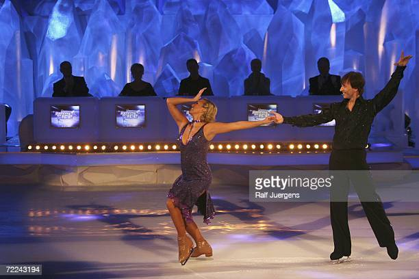 Jennifer Goolsbee and Norbert Schramm perform on the TV show Dancing on Ice on RTL at the Coloneum on October 21 2006 in Cologne Germany
