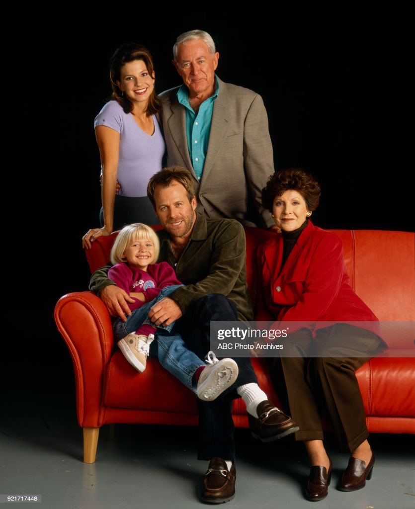 Carly Schroeder, Jennifer Hammon, Peter Hansen, Kin Shriner, Susan Brown In Port Charles Promotional Photo : News Photo