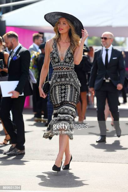 Jennifer Hawkins arrives at the MYER Marquee on Derby Day at Flemington Racecourse on November 4 2017 in Melbourne Australia