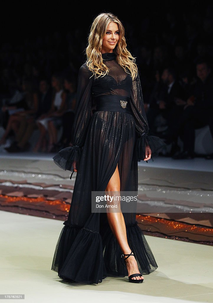 Jennifer Hawkins showcases designs by Leona Edmiston at the Myer Spring/Summer 2014 Collections Launch at Fox Studios on August 8, 2013 in Sydney, Australia.