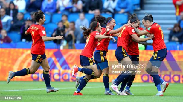 Jennifer Hermoso of Spain celebrates with teammates after scoring her team's second goal during the 2019 FIFA Women's World Cup France group B match...