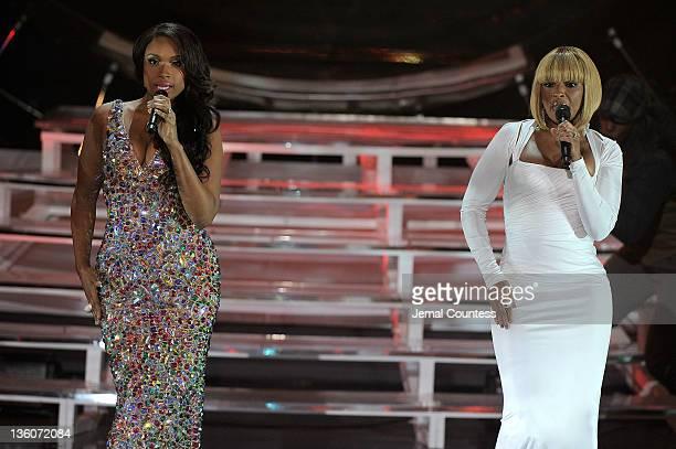 Jennifer Hudson and Mary J Blige perform onstage during VH1 Divas Celebrates Soul at Hammerstein Ballroom on December 18 2011 in New York City