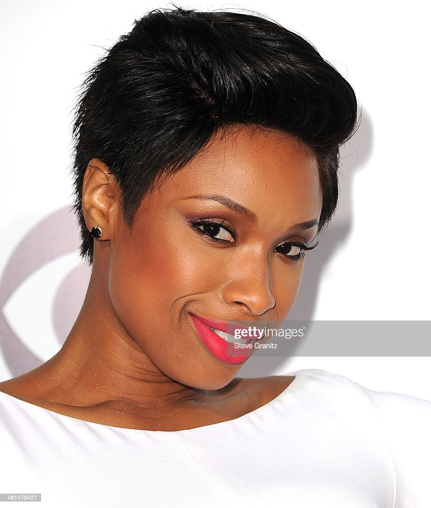 Jennifer Hudson arrives at the The 40th Annual People's Choice Awards at Nokia Theatre LA Live on January 8, 2014 in Los Angeles, California.